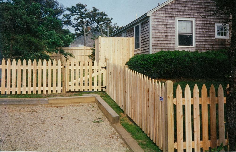 """Cedar """"Nantucket"""" Picket"""