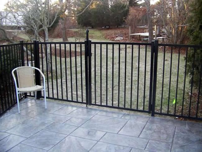 Aluminum POOL CODE with Magna Latch and Double Drive Gate - Aluminum 6