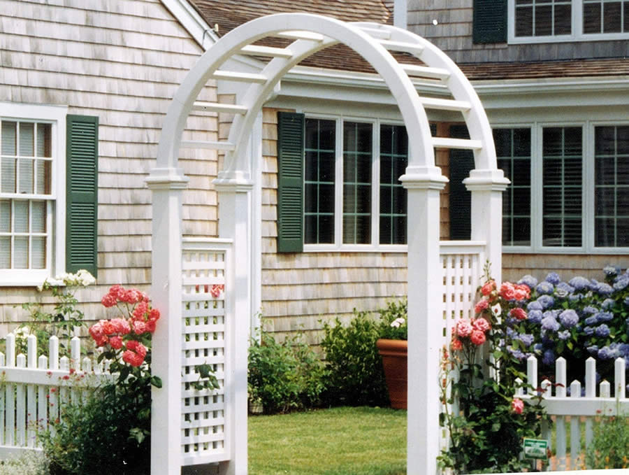 Cedar Arbor with Staggered Picket Fence -Arbor 1