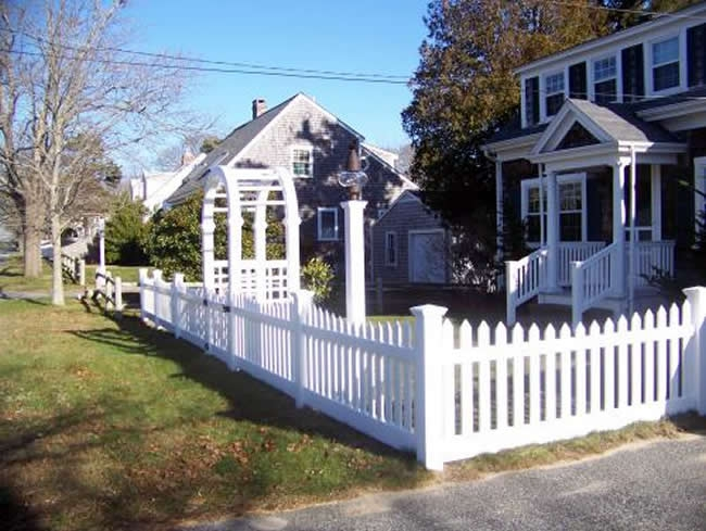 High Wide Vinyl Picket Fence with Arbor - Picket 14