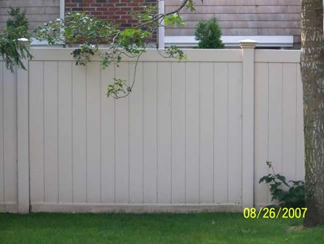 Privacy Fence Tan Vinyl Tongue Groove - Privacy 17