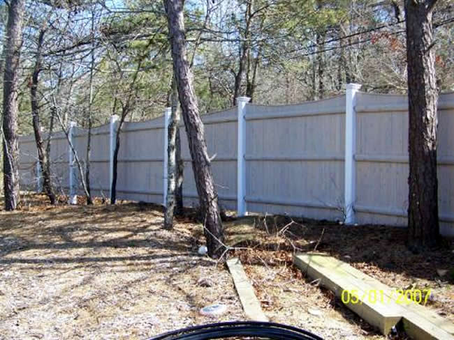 Privacy Scalloped Cedar Board Posts with New England Cap - Privacy 20