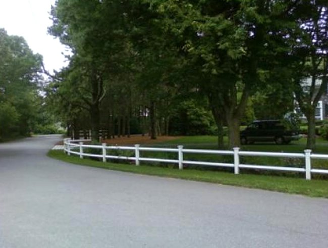 Two Rail Fence with Colonial Caps - Rail 6