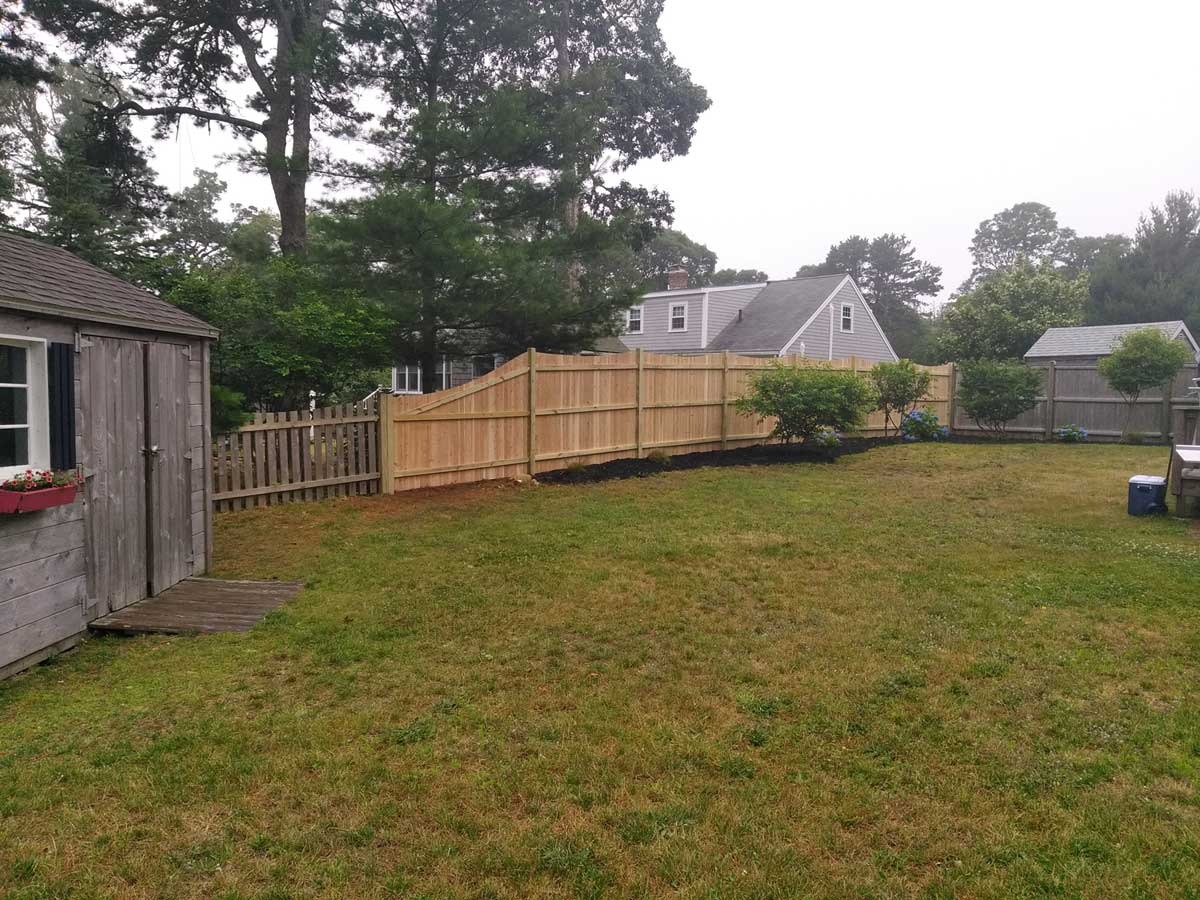 6 ft Scalloped Board with Pressure Treated Rails - Privacy 27
