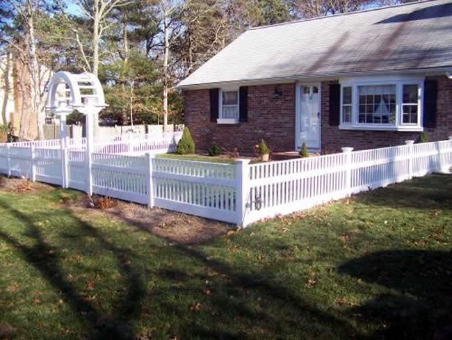 Vinyl Cape Cod Picket Fence with Top Cap - Picket 11