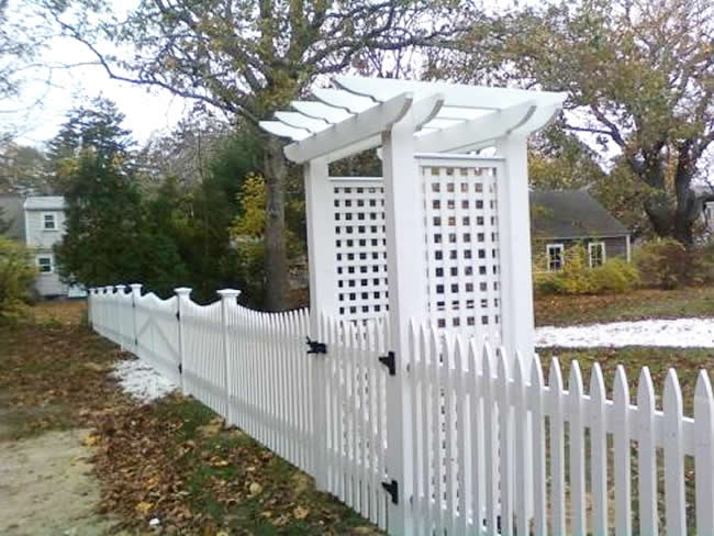 Nantucket Picket Fence Scalloped with Pergola - Picket 15