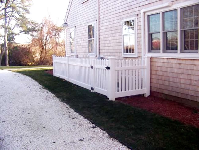 Picket Fence to hide air conditioner unit -Picket Fence 5