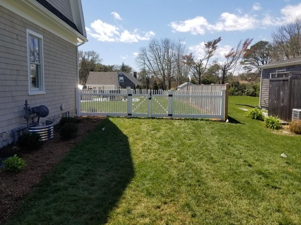 4 ft Pool Code 2x2 Picket Fence with Pergola - Picket 32
