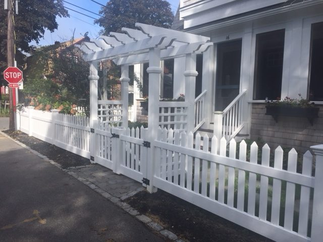 Pergola with 1 x 3 Picket Fence -Pergola 7