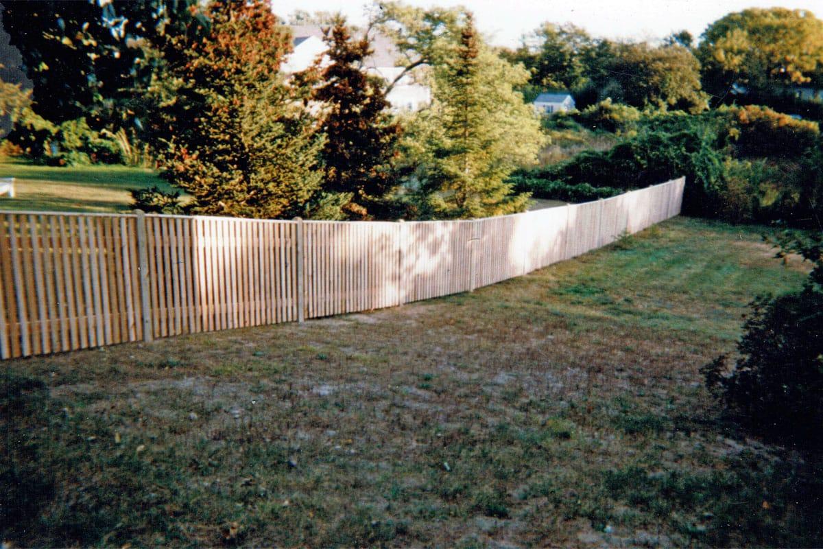 Cedar Cape Cod Picket Fence with Top Cap- Picket 26