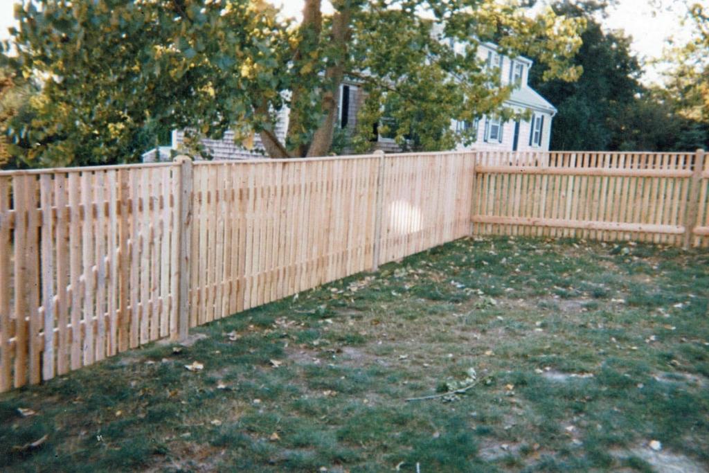 Cedar Cape Cod Picket Fence with Top Cap - Picket 24